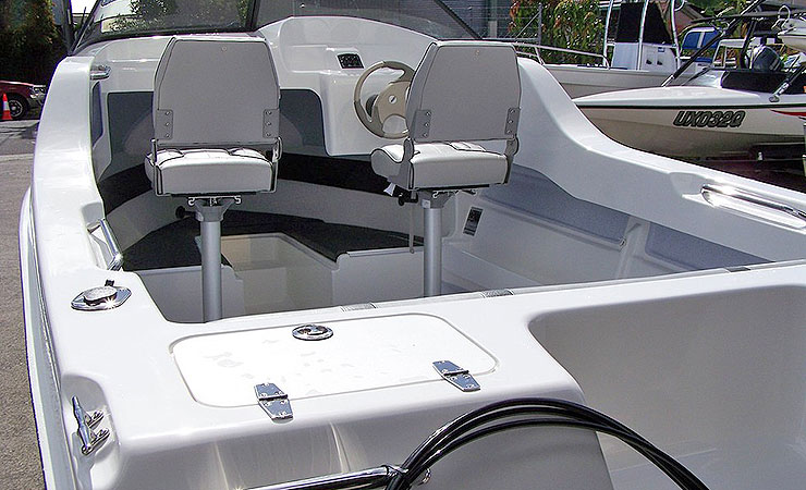 Excellent family day boat