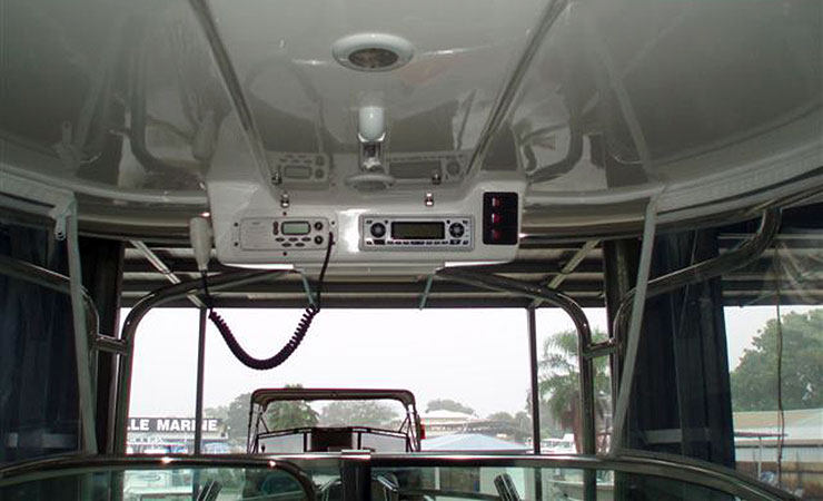 Hardtop with radio console