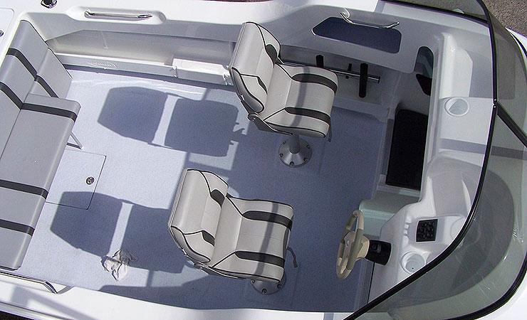 Large cockpit for fishing